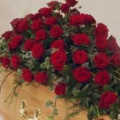 Red Rose Coffin Spray S001