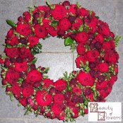 Red Rose Wreath S081